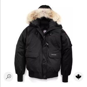 CANADA Goose bomber size M black woman. Used